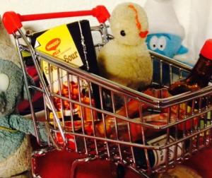 Einkaufswägeli sind nicht nur fürs Einkaufen begehrt - sie dienen auch mal als Grillrost, photo taken by silv